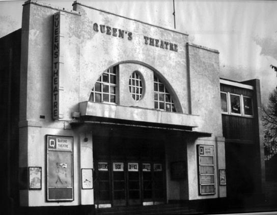 Queen S Theatre Is A Diamond Barrykirkreviews