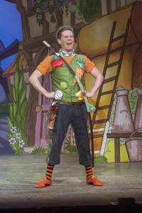 Lloyd in Pantomime